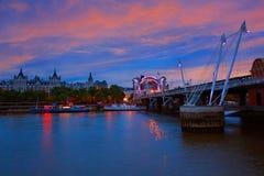 伦敦滑铁卢桥梁在泰晤士河 图库摄影