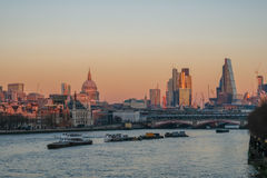 伦敦从滑铁卢桥梁的地平线视图 免版税图库摄影