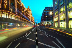 伦敦- Brompton路(黄昏) 库存图片