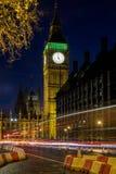 伦敦- DEC 20 :大本钟看法在夜间的在12月的伦敦 图库摄影