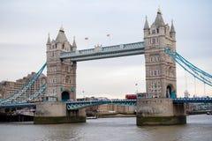 伦敦` s著名塔桥梁 库存照片