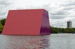 伦敦Mastaba Christo,侧视图 免版税库存照片