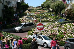 伦巴第街道旧金山 免版税库存照片