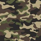 伪装无缝的样式背景 经典衣物样式掩没的camo重复印刷品 绿色棕色黑橄榄颜色 免版税库存图片