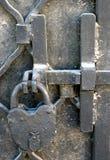 伪造的铁锁定 免版税库存照片