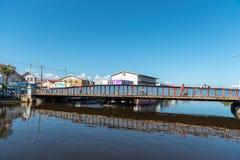 伯利兹- 2017年11月18日:与平旋桥的伯利兹市口岸在背景中 免版税库存图片