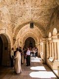 伯利恒,以色列- 2015年7月12日:心房哥特式走廊  库存照片