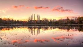 伯利・格里芬湖在堪培拉,澳大利亚国会大厦疆土 澳洲 免版税库存图片
