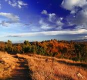 伯利・格里芬湖岸秋季风景  图库摄影