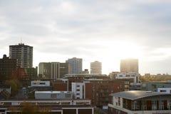 伯明翰,英国- 2016年11月6日:伯明翰在日落的市地平线 免版税图库摄影