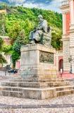 伯纳迪诺Telesio,科森扎,意大利老镇雕象  库存图片
