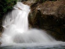 伶猴Kerawang瀑布在槟榔岛,马来西亚 库存图片