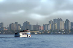 似亚马逊小船城市 库存图片