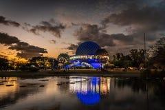 伽利略・伽利莱天文馆在日落的布宜诺斯艾利斯 库存照片