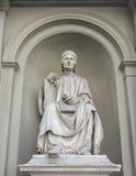 但丁・阿利吉耶里雕象在佛罗伦萨,意大利 库存图片