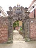 位于弗里斯荷兰的村庄Marsum省的历史的口岸 库存图片