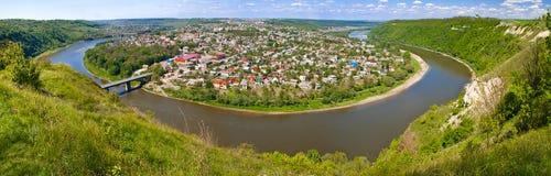 位于德诺尔河的半岛的一个小的镇 免版税库存图片