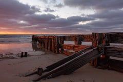 位于胜者港口的侵蚀groyne南澳洲1 库存图片