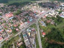 位于guchil的住宅区鸟瞰图,瓜拉krai,吉兰丹,马来西亚 免版税库存照片