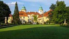 位于WaÅ 'brzych的KsiÄ… Å ¼旅馆在波兰 免版税库存图片