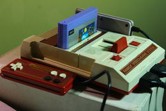 8位电子游戏控制台 免版税库存图片