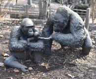 低地大猩猩家庭 库存图片