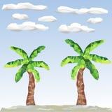 低多棕榈和云彩 免版税库存照片