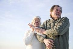 低富感情的角度胳膊夫妇成熟 库存图片