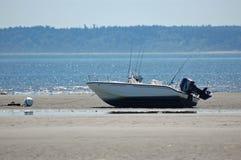 低潮小船 免版税库存图片