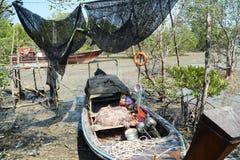 低潮小船 库存照片