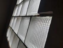 低灯通过窗口 免版税库存照片