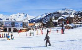 更低的Jardin Alpin推力驻地 滑雪胜地Courchevel 1850 m 免版税库存照片