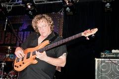 低音吉他弹奏者hamm斯图尔特 免版税库存图片