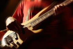 低音演奏员 库存照片