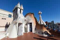 住处Batllo屋顶在巴塞罗那 免版税图库摄影