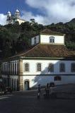 住处dos葡萄牙币和圣法兰西斯教会在欧鲁普雷图,巴西 免版税库存照片