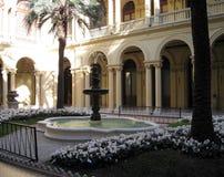 住处Rosada的Patio de las Palmeras在市布宜诺斯艾利斯阿根廷香港礼宾府引导了游览 库存照片