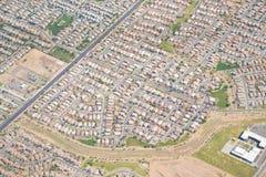 住宅住房开发、公共、邻里,并且/或者细分鸟瞰图  免版税库存照片