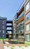 住宅公寓玻璃现代建筑学  免版税库存照片