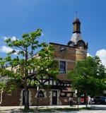 住宅区的Schlitz被栓的议院 免版税库存图片