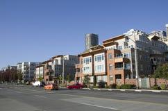 住宅安置的西雅图江边公寓 库存图片