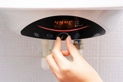 住宅热水加热器的特写镜头 免版税库存图片