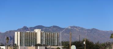 住宅高层,街市的图森, AZ 免版税库存图片