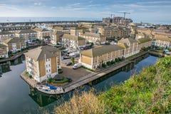 住房开发鸟瞰图在布赖顿小游艇船坞的 免版税图库摄影