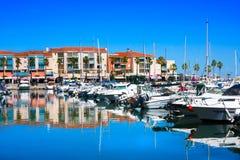 住所梅尔和高尔夫球口岸Argeles在Argeles苏尔梅尔海滩区域被设置在比利牛斯O 库存照片