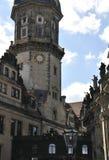 住所从德累斯顿的宫殿塔在德国 免版税库存图片