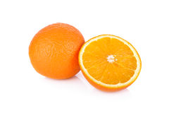 整体和半裁减脐橙在白色背景 免版税库存照片