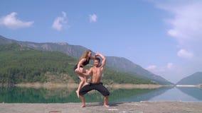 体操运动员人训练与他的伙伴在土耳其 影视素材
