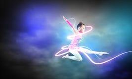 体操运动员女孩 免版税图库摄影