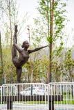 体操运动员雕象 库存图片